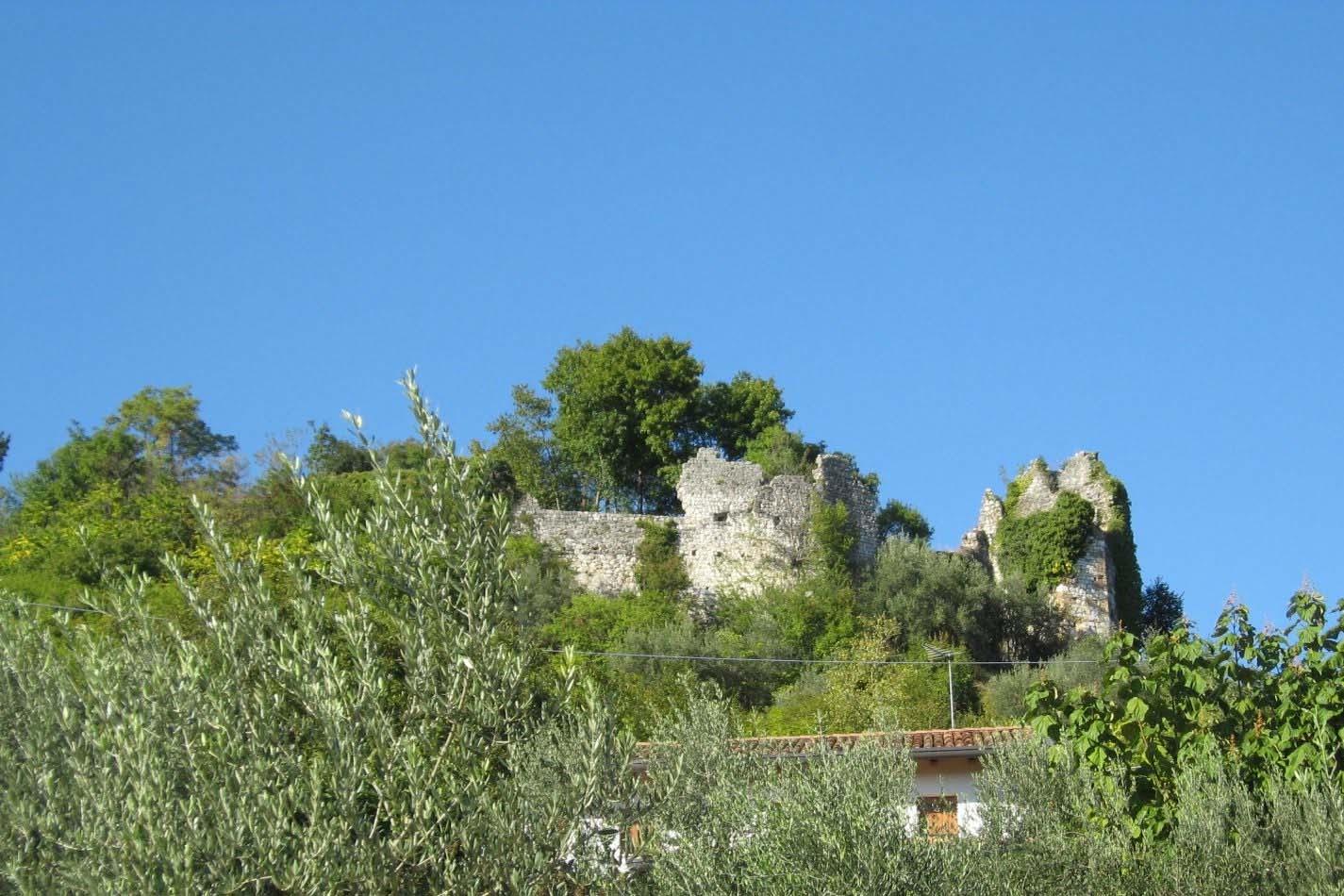 Castelat-Villa-di-Villa